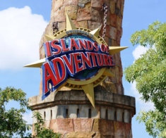 universal-islands-of-adventure-entrance