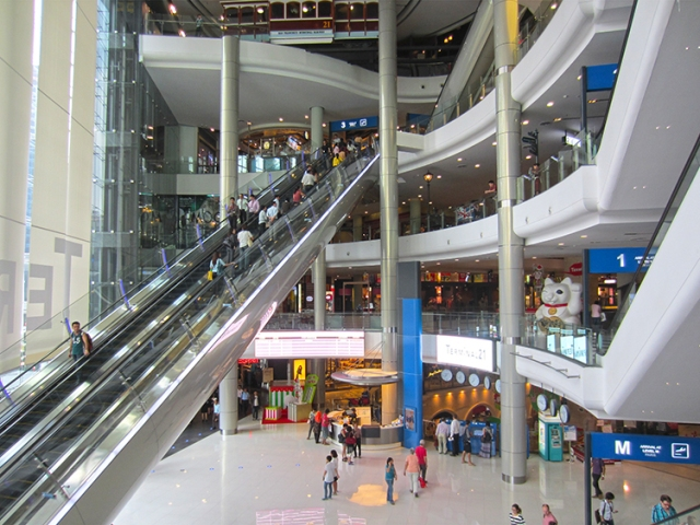 The-Longest-Escalator-in-Terminal-21-Bangkok