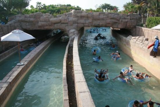 rapids-tube-rides-atlantis