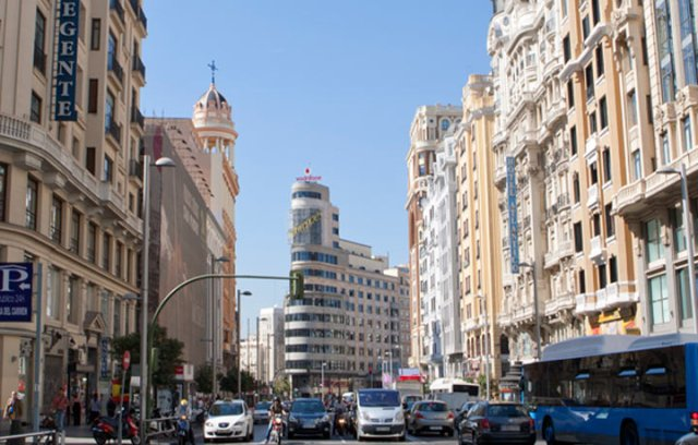 xdestinos_madrid_granvia.jpg.pagespeed.ic.rXOEsEKKBy