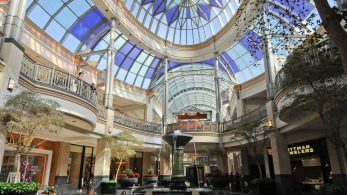 crtsy-king-of-prussia-mall-interior-2200VP